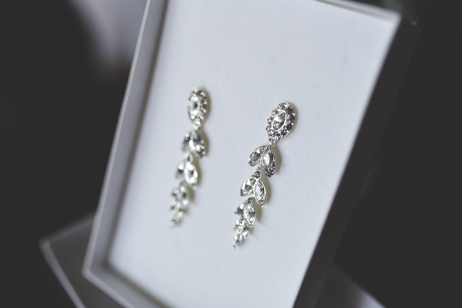 kolczyki, biżuteria, kryształowe kolczyki,